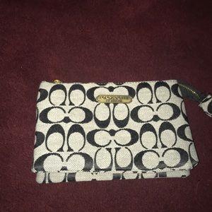 coach clutch/wallet